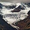 西藏察隅冰川图片