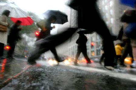 图文:纽约的倾盆大雨
