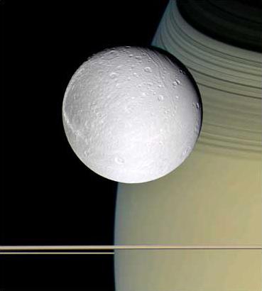 图文:美国宇航局卡西尼号探测器拍到土卫四照片