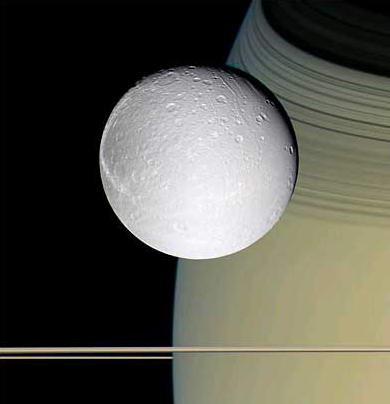 图文:NASA卡西尼号探测器拍摄到土卫四照片