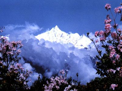科技时代_探险圣地评选:梅里雪山—众神守护的世外桃源