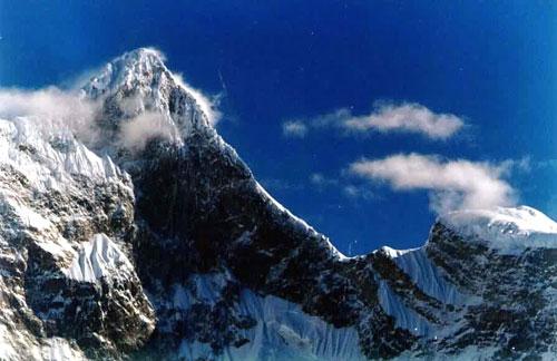科技时代_探险圣地评选:南迦巴瓦峰—山与水亲密融合