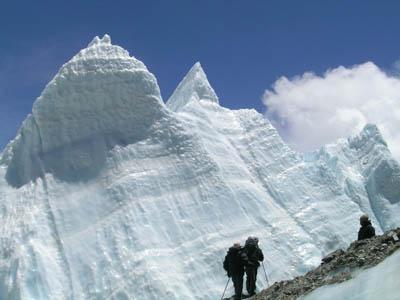 科技时代_探险圣地评选:绒布冰川-世界之巅上的最大冰川