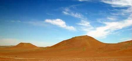 科技时代_探险圣地评选:古尔班通古特沙漠—野猪出没地