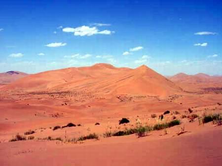 科技时代_探险圣地评选:巴丹吉林沙漠—漠中江南