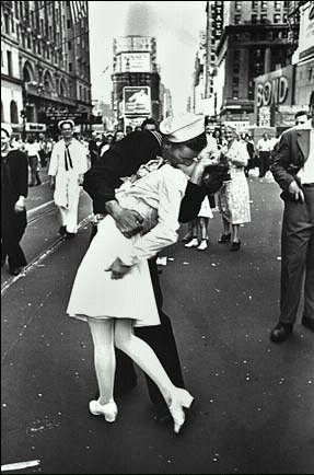 《时代广场的胜利日》