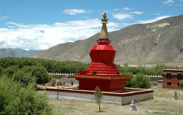 图片:西藏山南-桑耶寺四塔之 红塔