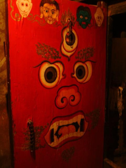 白居寺里面富有特色的门