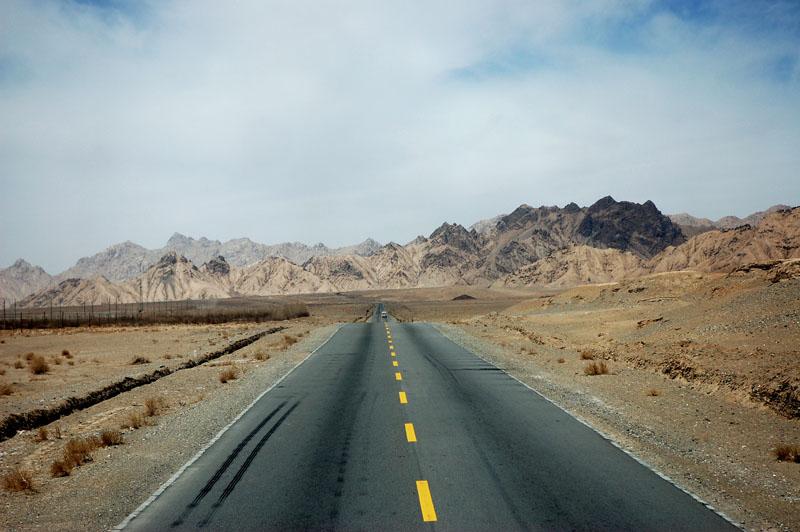 图片:青海格尔木-青藏公路