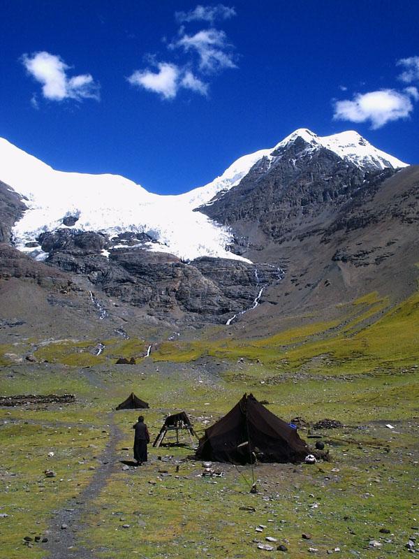 西藏图片:守护神山的牧民