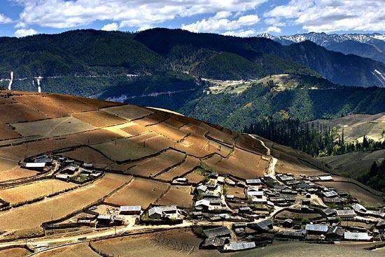 云南香格里拉-梅里雪山下的藏族村落