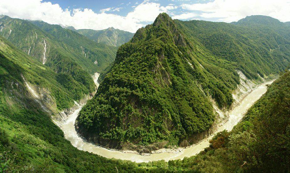 图片:西藏雅鲁藏布江大峡谷