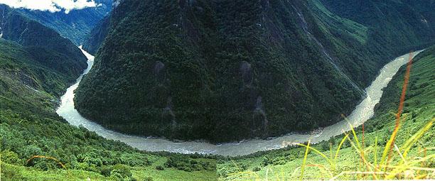 图片:雅鲁藏布江大拐弯