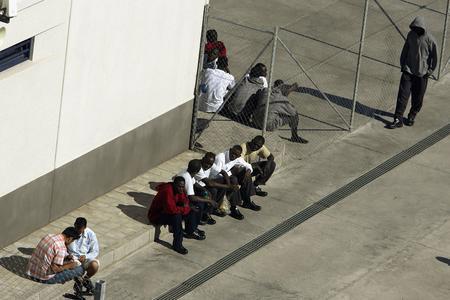 图文:偷渡客在加那利群岛的拘留中心