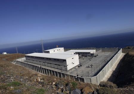 图文:关押有非洲偷渡客拘留中心