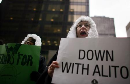 图文:反对者反对阿利托就任联邦大法官