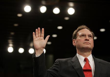 图文:阿利托宣誓就职联邦大法官