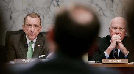 图文:阿利托就任美国联邦大法官回答议员质询