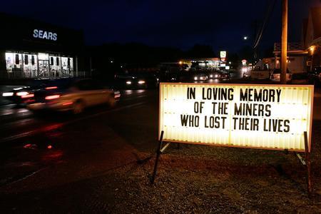 图文:美国西弗吉尼亚州萨戈煤矿发生事故