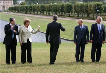 图文:五国首脑在圣彼得堡参加G8峰会