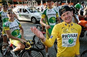 图文:美国选手赢得环法自行车赛黄色领骑衫