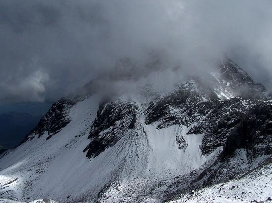 气势磅礴的雄伟山峰--玉龙雪山(3)