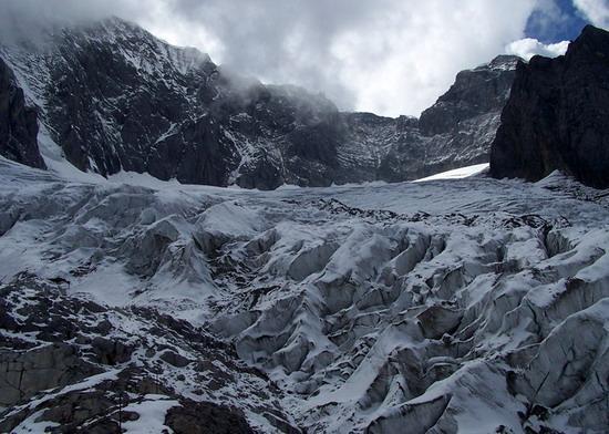 气势磅礴的雄伟山峰--玉龙雪山(5)