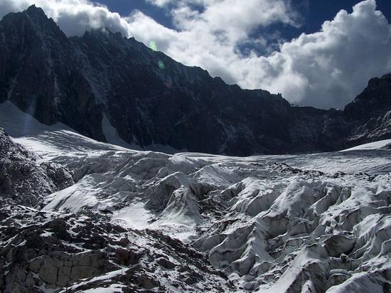 气势磅礴的雄伟山峰--玉龙雪山(7)