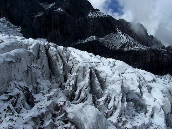 气势磅礴的雄伟山峰--玉龙雪山(6)