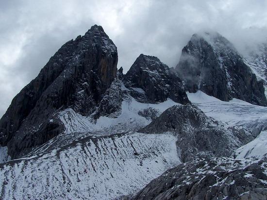 气势磅礴的雄伟山峰--玉龙雪山(9)