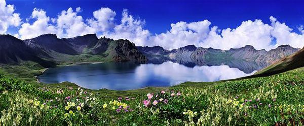 长白山天池图片