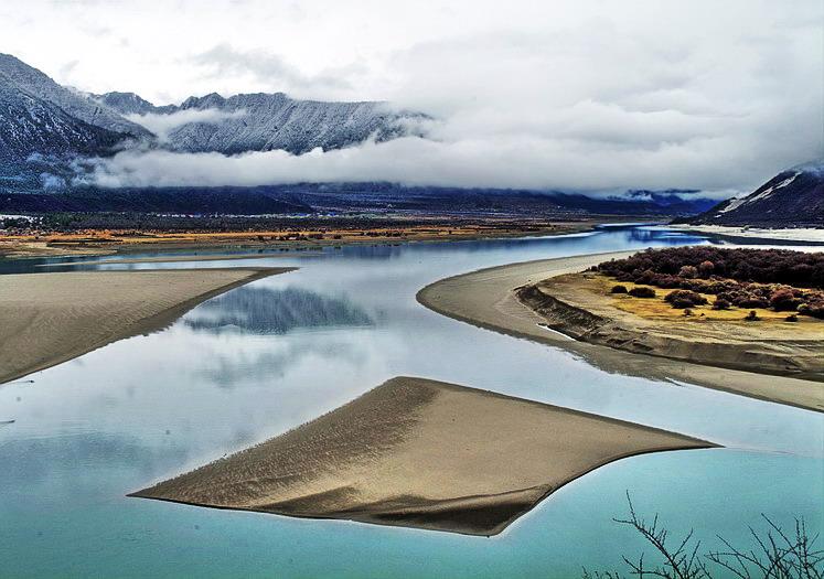 西藏风光:雅鲁藏布江
