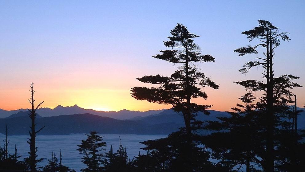 峨眉山云海图片