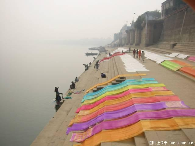 日本 女性 印度/图片:印度恒河风光...