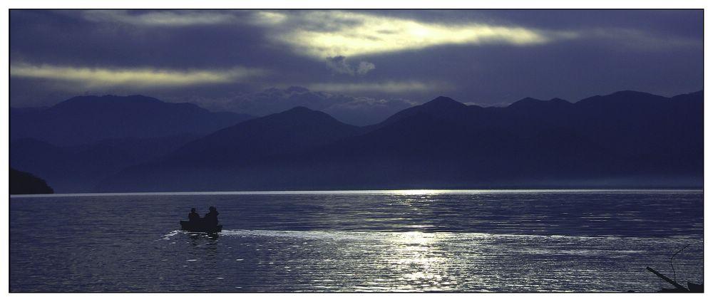 泸沽湖风光图片