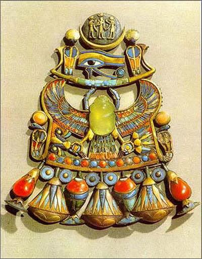 图片:圣甲虫形珠宝饰物
