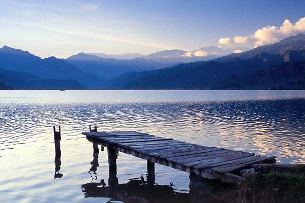 尼泊尔风光图片:费瓦湖