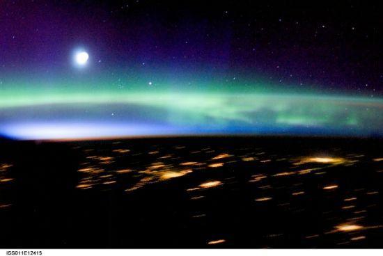 国际空间站十佳地球图片:壮美的北极光