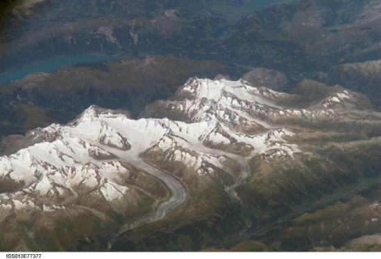 国际空间站十佳地球图片:冰雪阿尔卑斯山