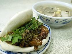 台湾美食图片:特色小吃-虎咬猪