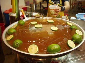 台湾美食图片:台湾特色的饮品-爱玉冰
