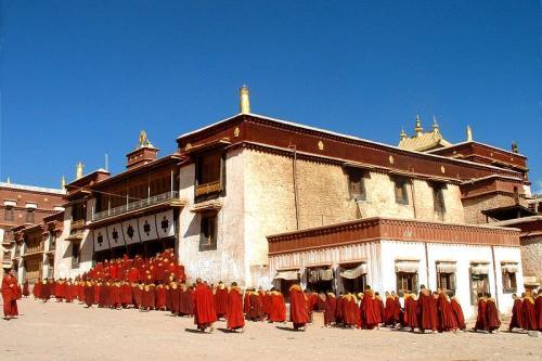 图片:西藏昌都强巴林寺