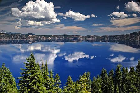 美国火口湖:世界最清澈的湖泊