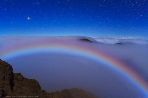 火星和月虹图片