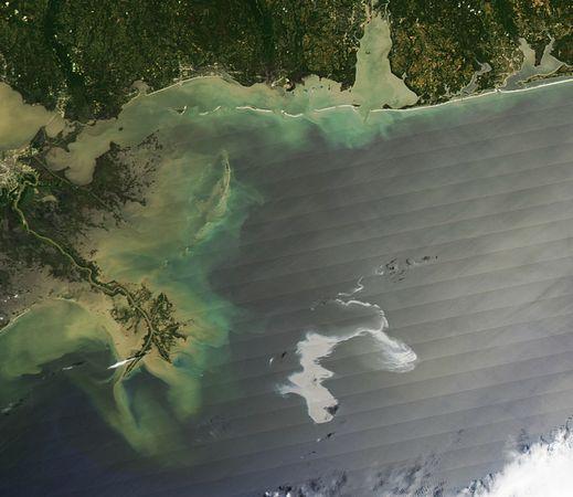 墨西哥湾漏油路线变化卫星图