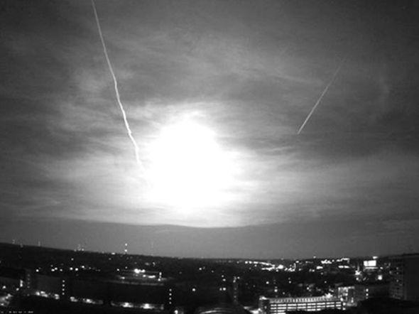 图片:美国国家地理2010年十大太空发现-绿流星照亮美国中西部
