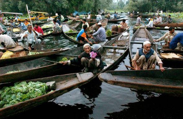 克什米尔达尔湖上的小贩