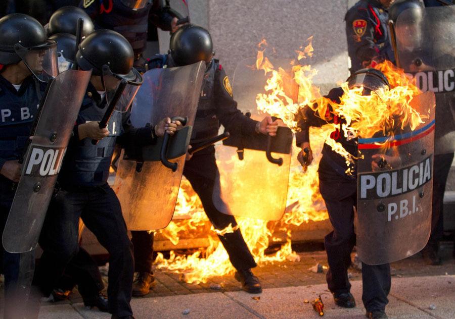 美国赫芬顿邮报盘点2013年度发生的重大冲突事件