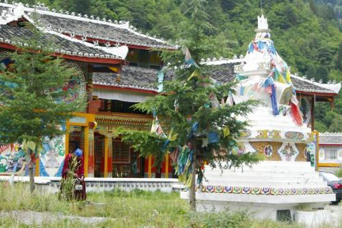 九寨沟图片欣赏:藏族寨子1