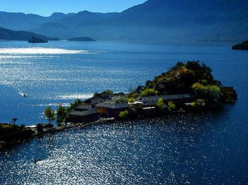 云南泸沽湖